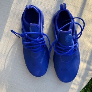 The new blue nike Presto Low tops